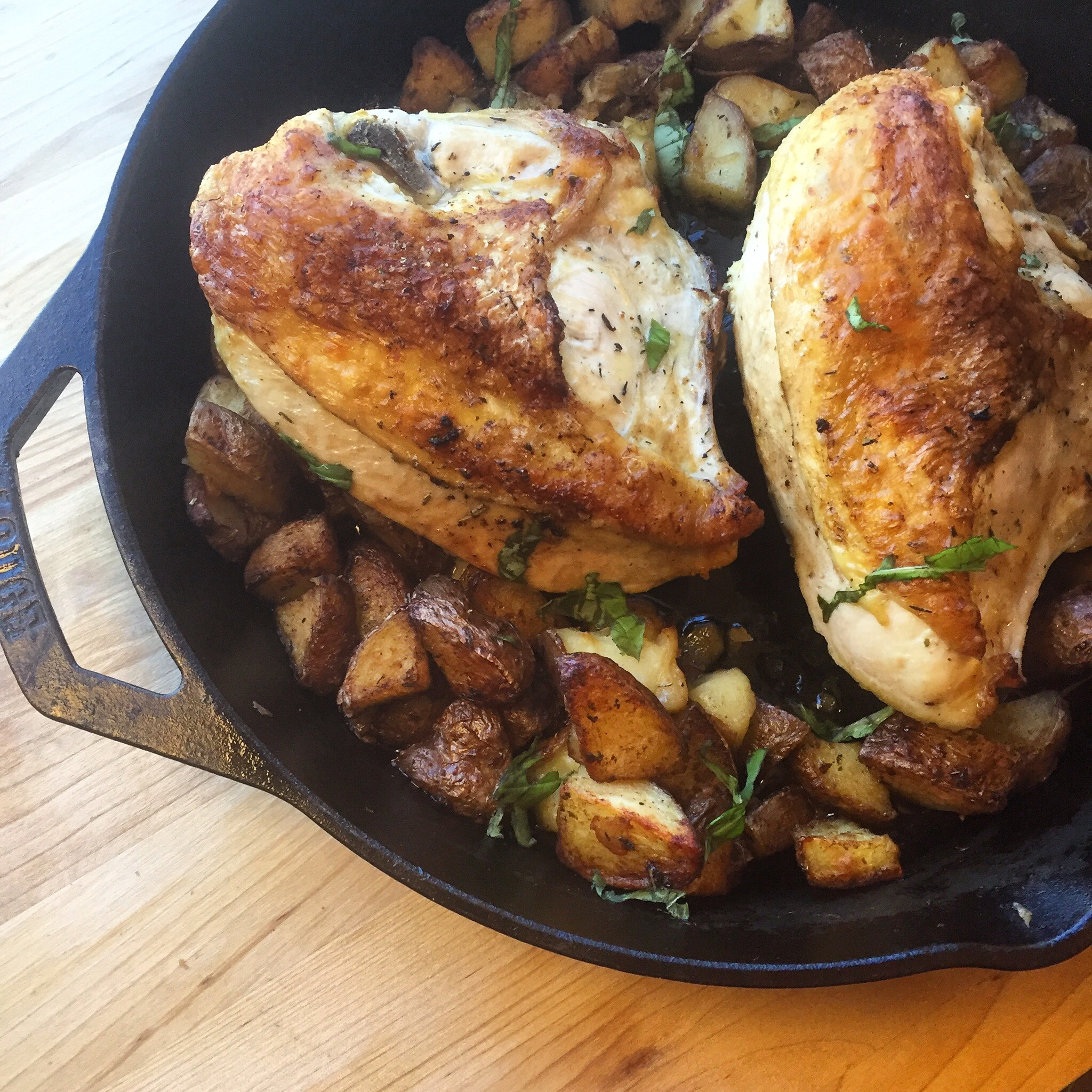 Skillet Roasted Chicken Breasts With Crispy Red Potatoes